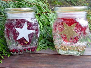 Red & Gold Stars Holiday Candle